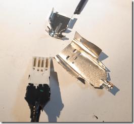 USBコネクタのピンにはしっかり金メッキがされています。