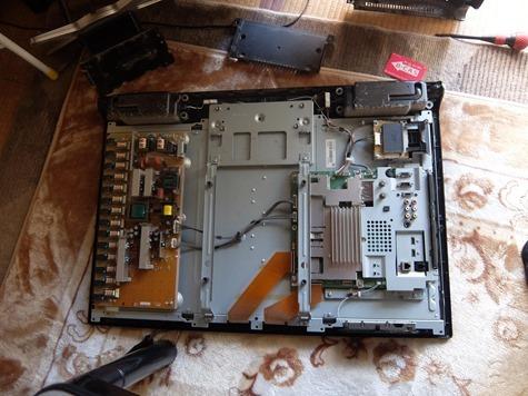 液晶テレビ分解